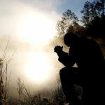 GLORIFIER DIEU  ET RENDRE GRÂCE À JÉSUS